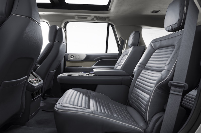 2018 Lincoln Navigator rear second row seats