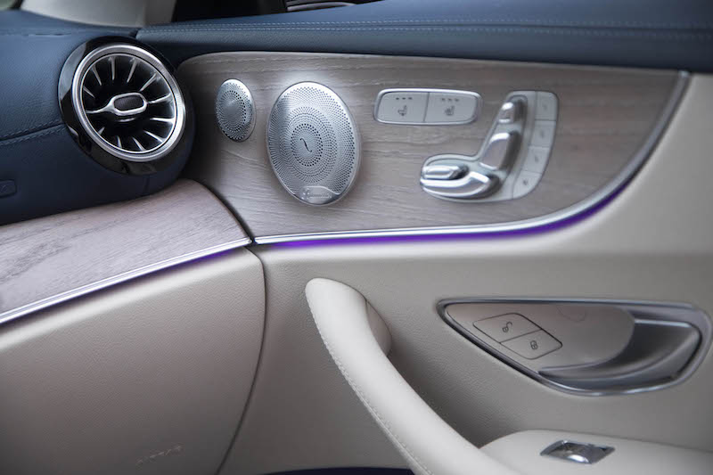 2018 Mercedes-Benz E 400 4MATIC Coupe purple ambient lighting