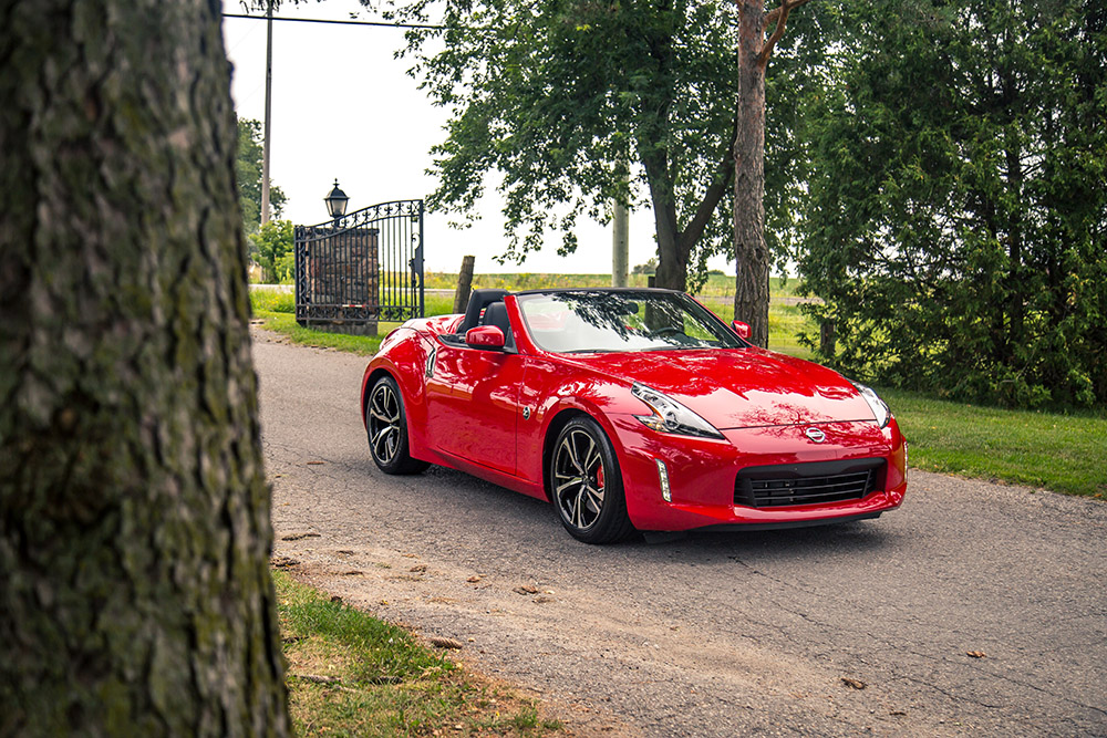 2018 Nissan 370Z Roadster Touring Sport canada review
