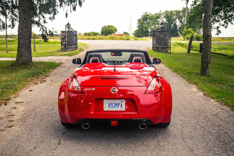2018 Nissan 370Z Roadster Touring Sport rear exhaust