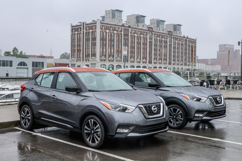 2018 nissan kicks grey paint with orange roof