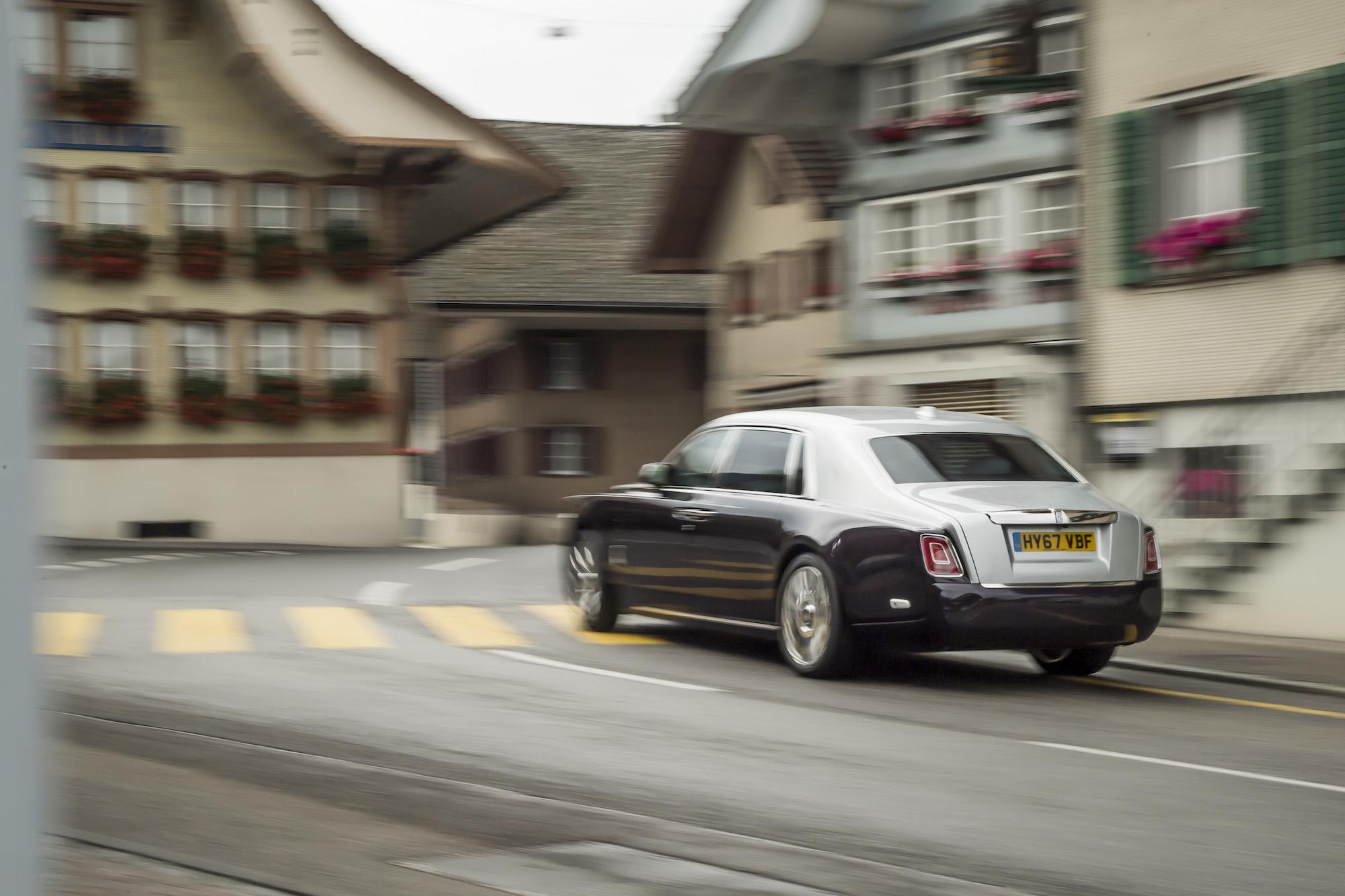 Customize Your Car Online >> First Look: 2018 Rolls-Royce Phantom VIII | Canadian Auto ...