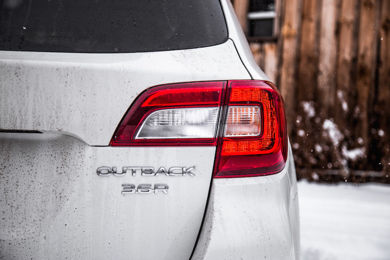 2018 Subaru Outback 3.6R Premier tail lights rear