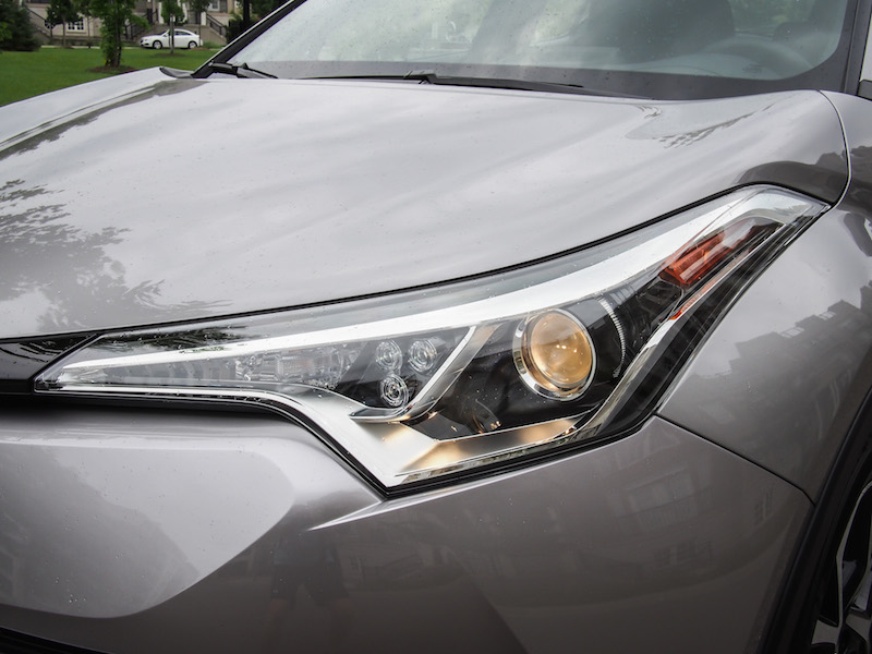 2018 Toyota C-HR headlights