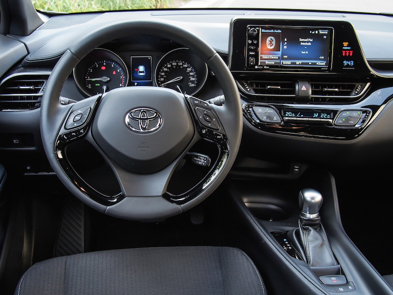 2018 Toyota C-HR steering wheel