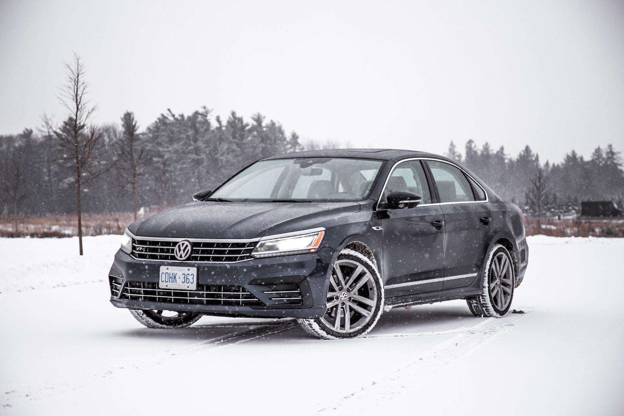 review 2018 volkswagen passat tsi r line canadian auto review. Black Bedroom Furniture Sets. Home Design Ideas