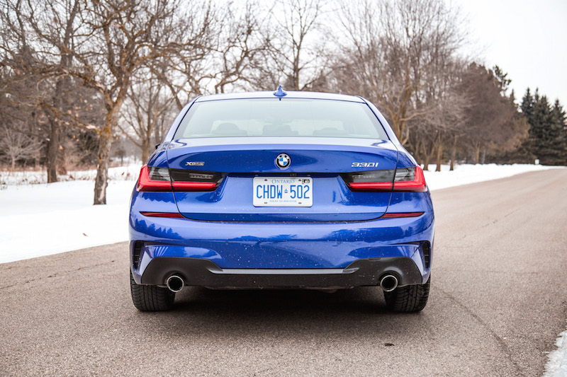 2019 BMW 330i xDrive dual exhaust tips