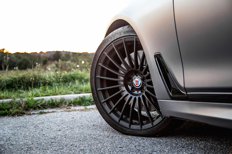 2019 BMW Alpina B7 21-inch wheels black