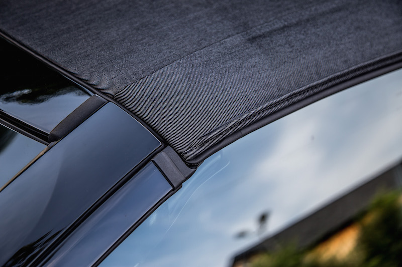 2019 BMW i8 Roadster fabric material roof close up