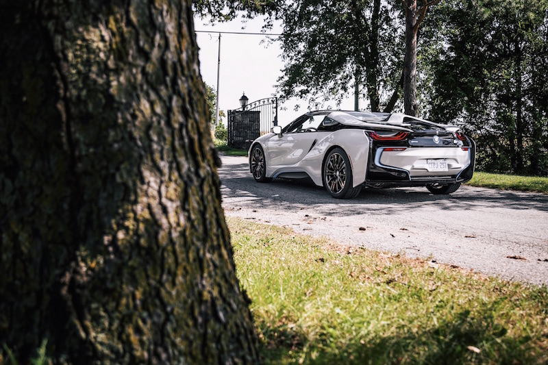 2019 BMW i8 Roadster crystal white pearl