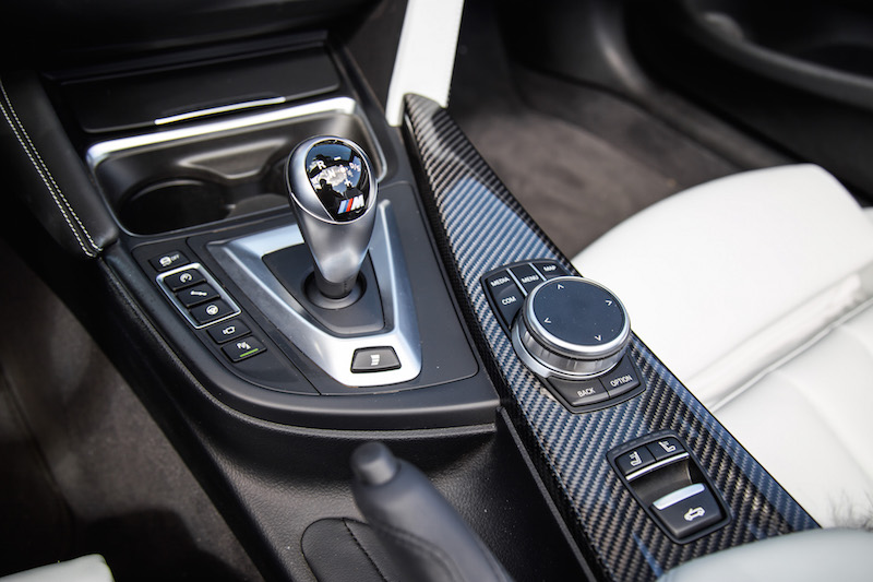 2020 BMW M4 Competition Cabriolet center console