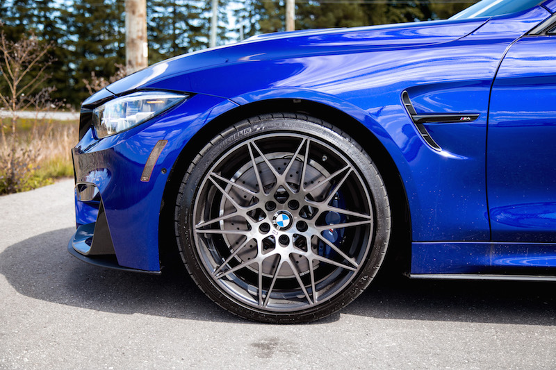 2020 BMW M4 Competition Cabriolet tires