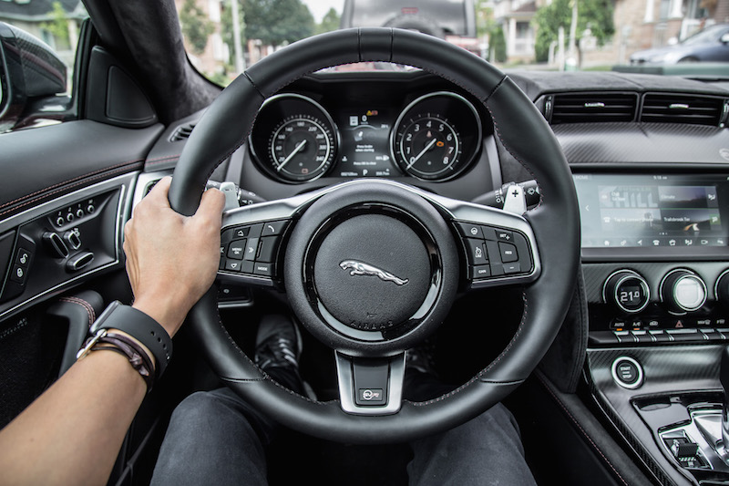 2019 Jaguar F-Type SVR steering wheel