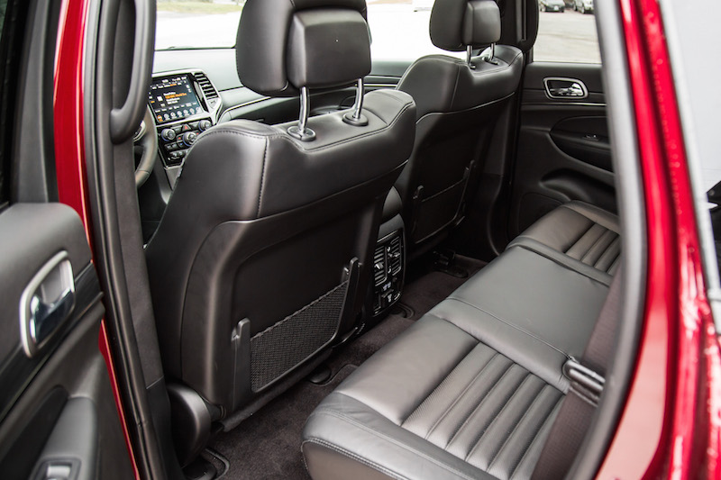 2019 Jeep Grand Cherokee rear seats legroom space