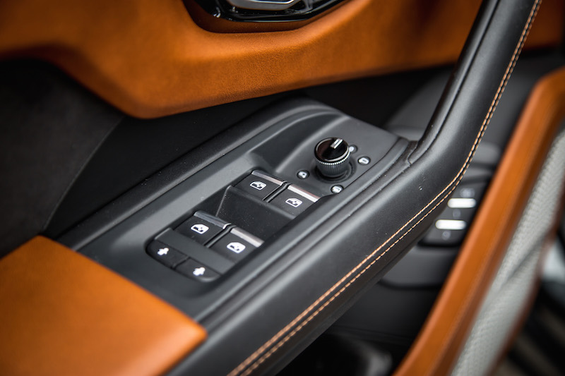 2019 Lamborghini Urus audi buttons switches