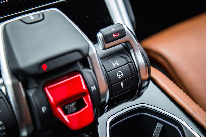 2019 Lamborghini Urus ego mode switch