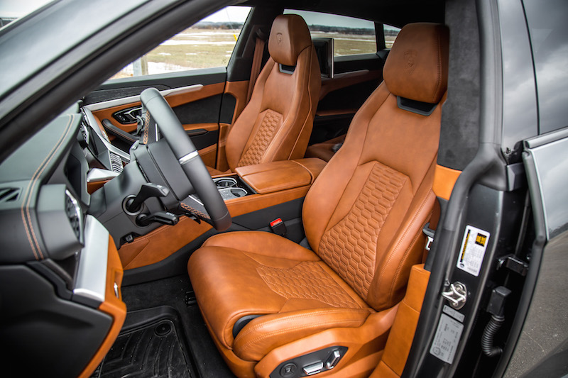 2019 Lamborghini Urus tanned leather seats