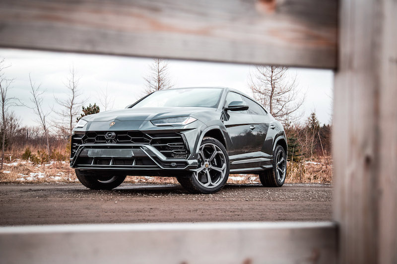 2019 Lamborghini Urus grigio lynx grey paint colour