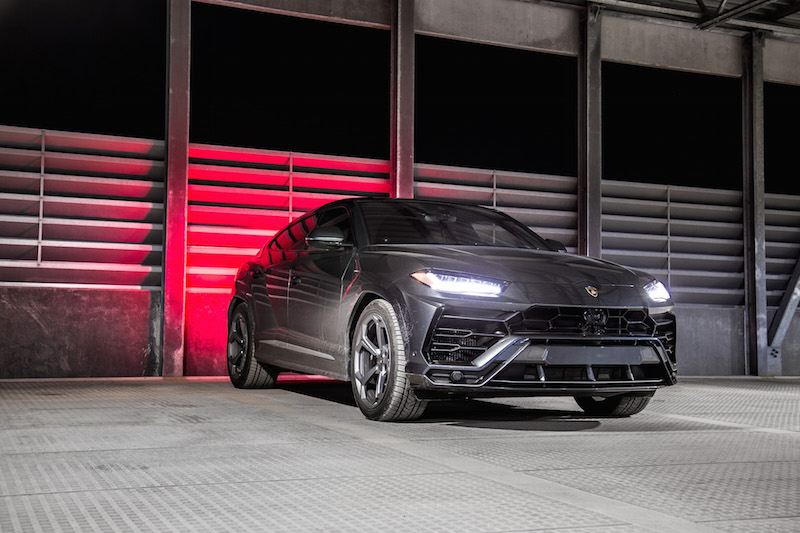2019 Lamborghini Urus night time