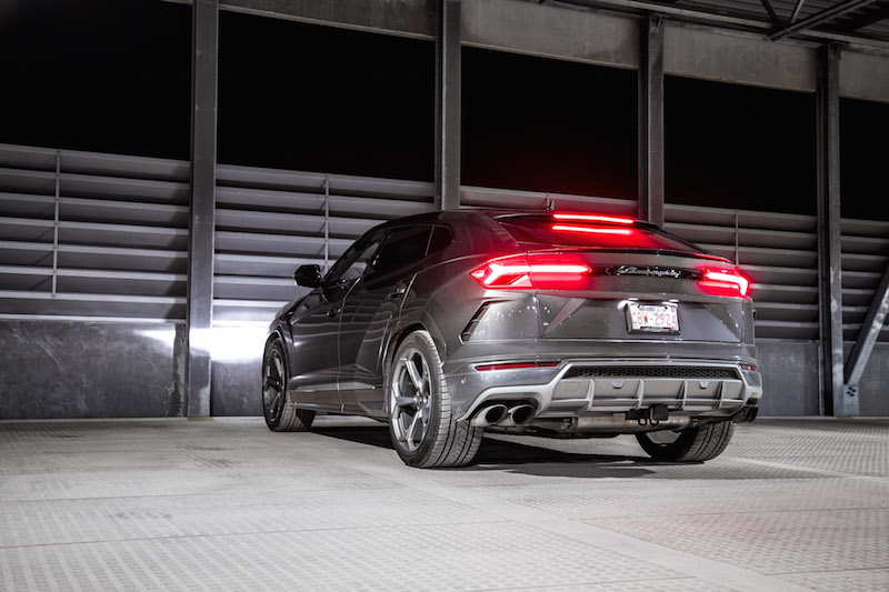 2019 Lamborghini Urus brake lights taillights