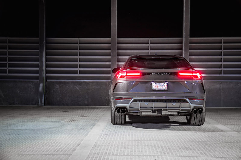 2019 Lamborghini Urus rear view exhaust