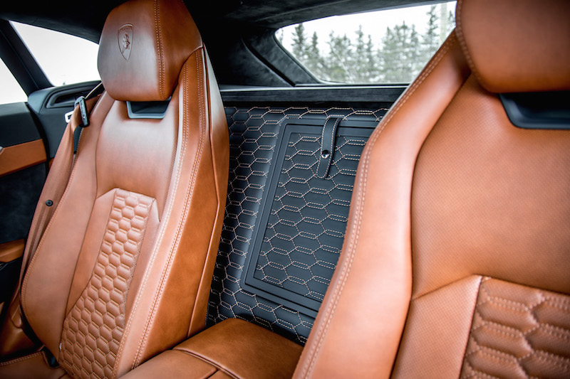 2019 Lamborghini Urus leather trunk divide