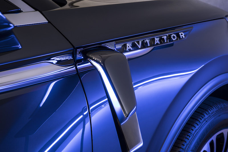 2019 Lincoln Aviator plug-in socket