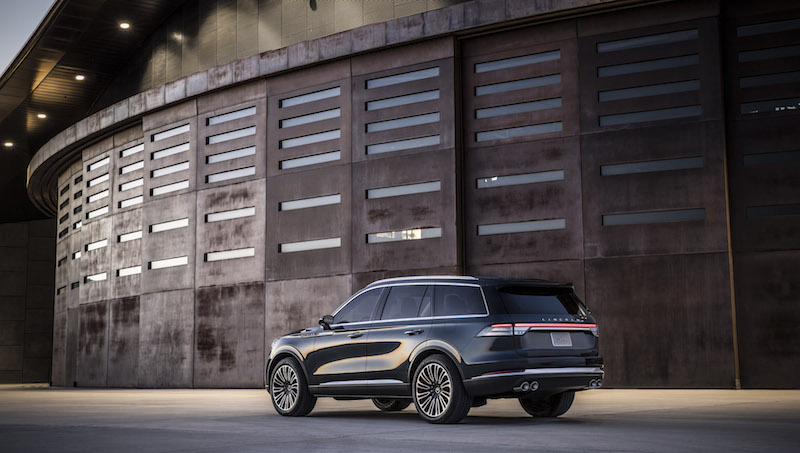 2019 Lincoln Aviator quad exhausts