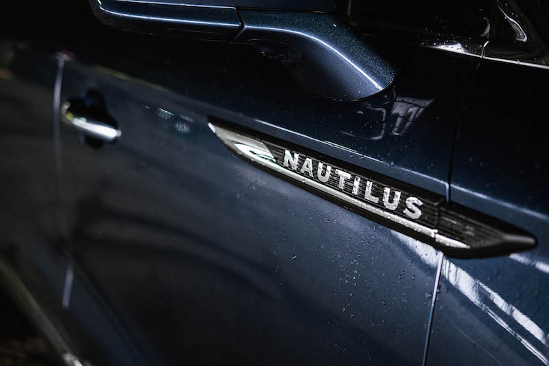2019 Lincoln Nautilus side badge