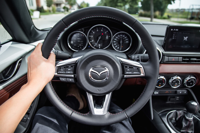 2019 Mazda MX-5 RF steering wheel pov