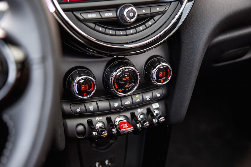 MINI Cooper S 60 Years Edition dials controls