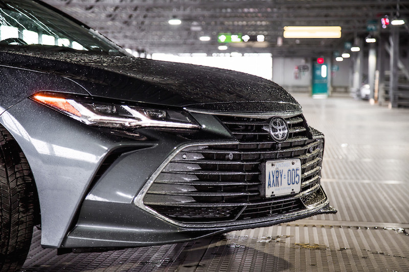 2019 Toyota Avalon Limited front grill vs xse sport