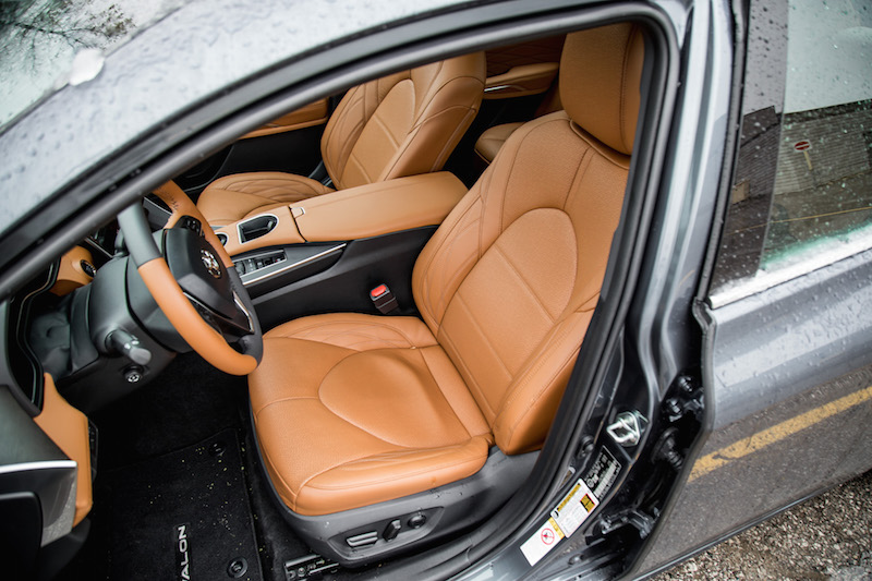 2019 Toyota Avalon Limited front seats