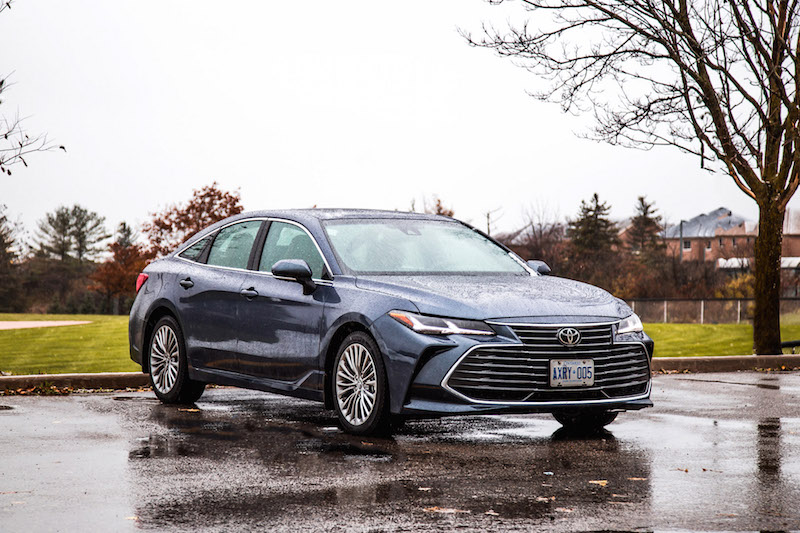 2019 Toyota Avalon Limited blue grey paint