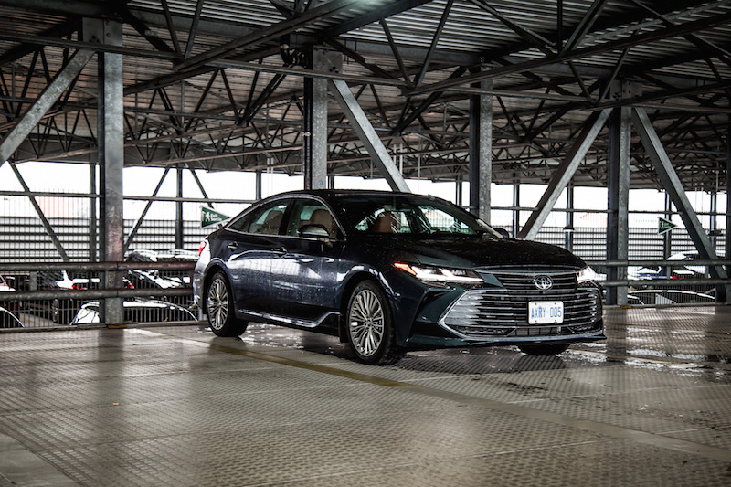 2019 Toyota Avalon Limited grey paint