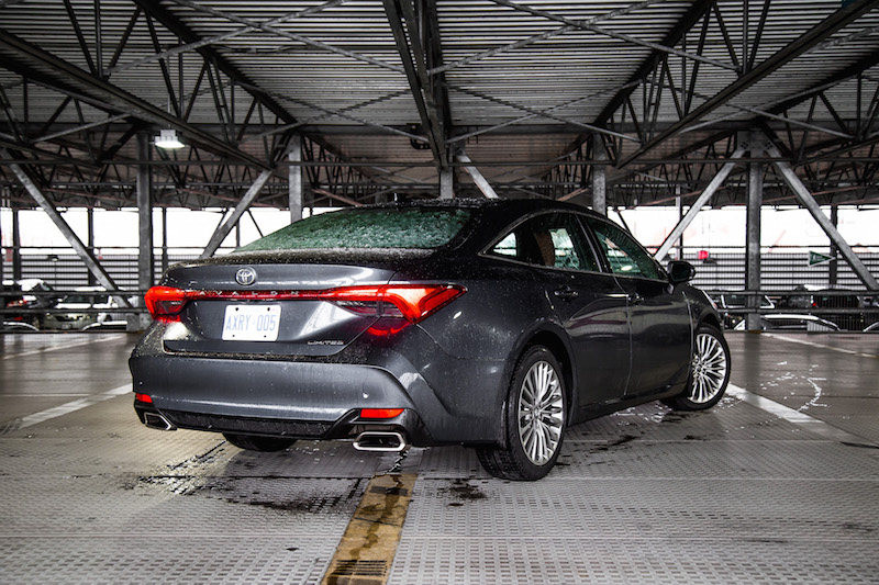 2019 Toyota Avalon Limited rear quarter view