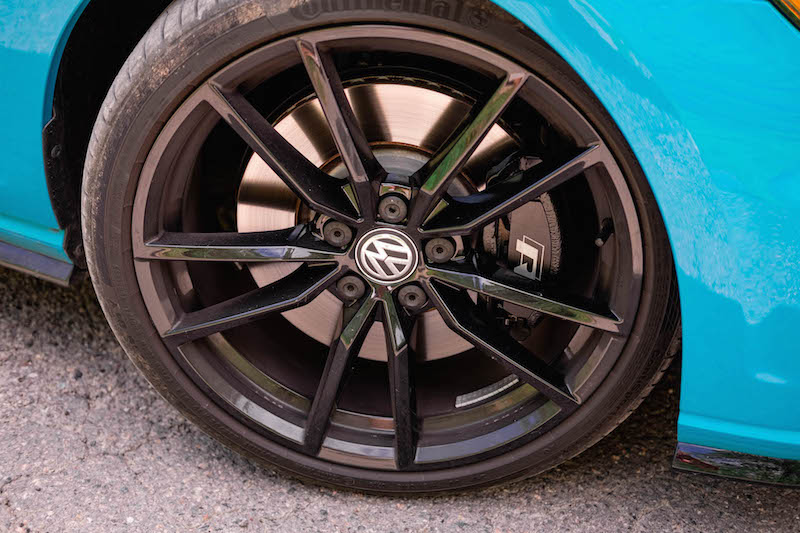 2019 Volkswagen Golf R wheels