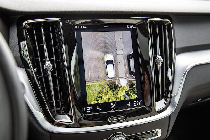2019 Volvo V60 Cross Country 360-degree camera view