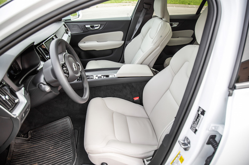 2019 Volvo V60 Cross Country front leather seats blonde colour