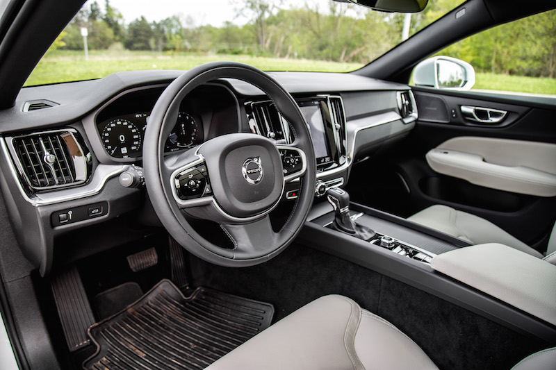 2019 Volvo V60 Cross Country interior black blonde leather