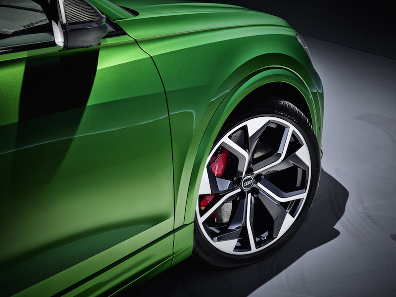 2020 Audi RS Q8 23-inch wheels