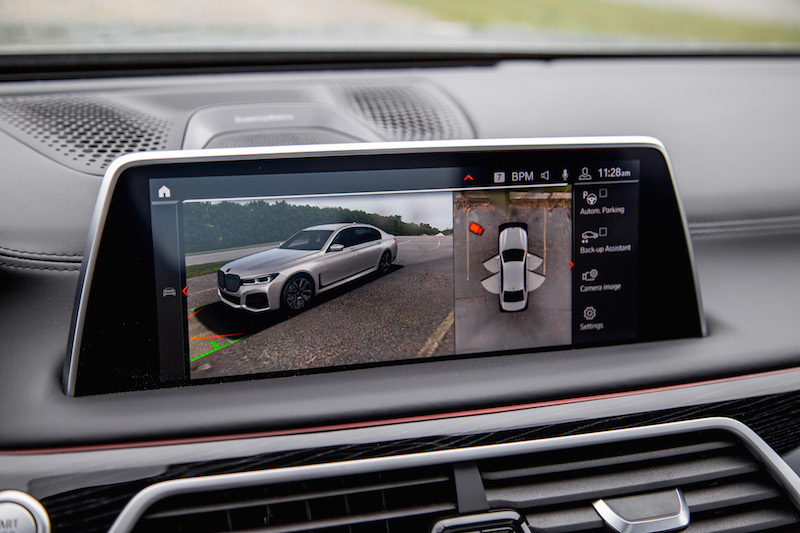 2020 BMW 750Li 7 Series camera displays