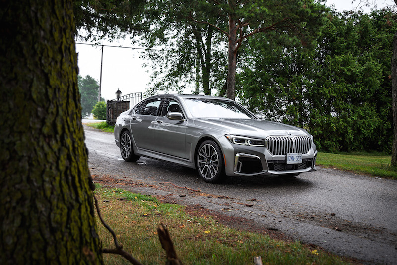 2020 BMW 750Li donington grey front