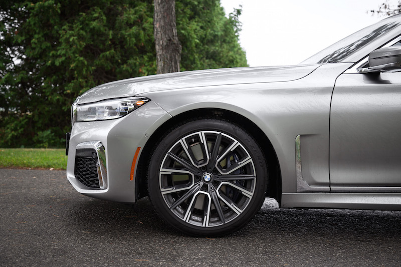 2020 BMW 750Li new fender wheels