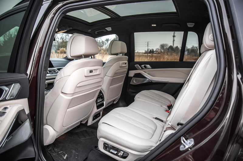 2020 BMW X7 M50i ivory white interior extended merino leather second row rear seats