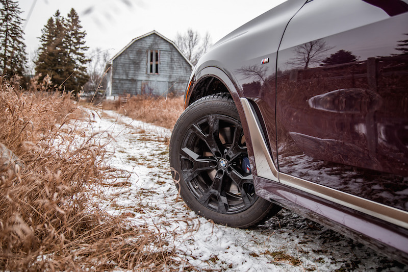 2020 BMW X7 M50i Ametrine Metallic 22-inch winter tires michelin
