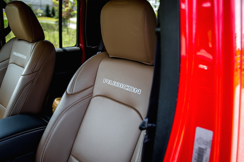 2020 Jeep Gladiator Rubicon front seats leather