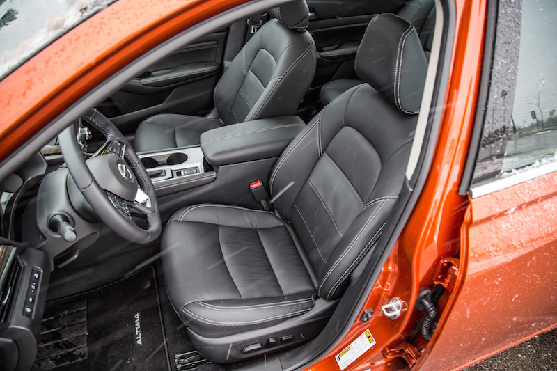 2020 Nissan Altima Platinum AWD leather front seats