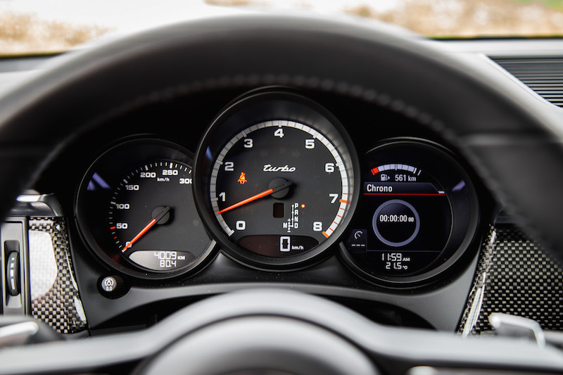2020 Porsche Macan Turbo analog gauges