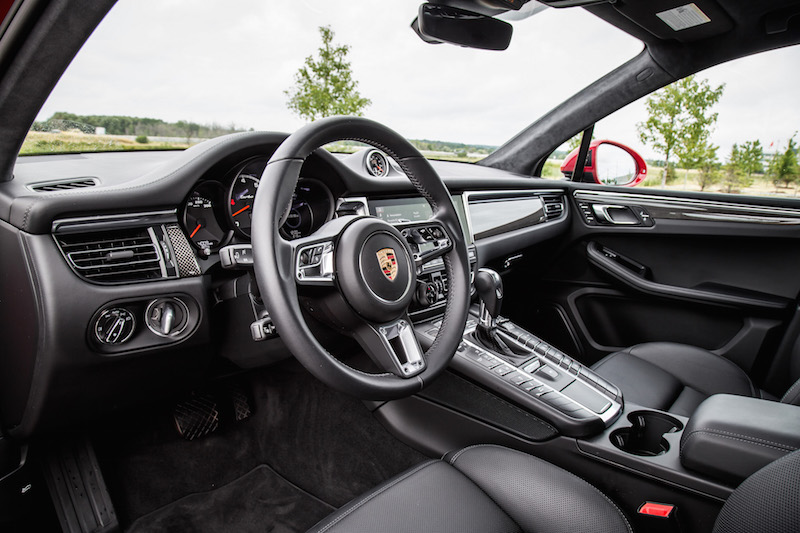 2020 Porsche Macan Turbo black interior